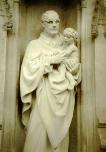 Statue of Oscar Romero outside Westminster Abbey